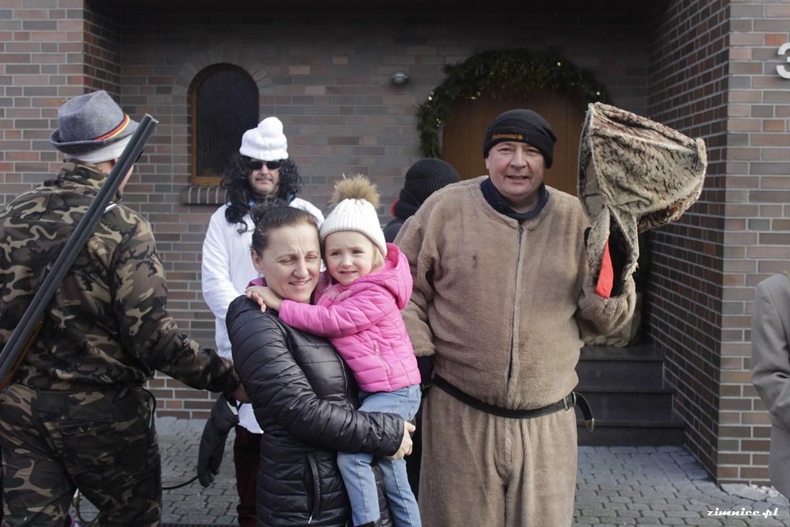 Przeglądasz galerie Wodzenie Niedźwiedzia w Zimnicach Małych 3.02.2018